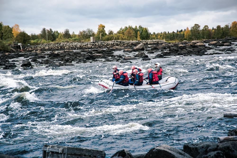Autunno in Lapponia: rafting e avventure acquatiche al confine delle due lapponie!