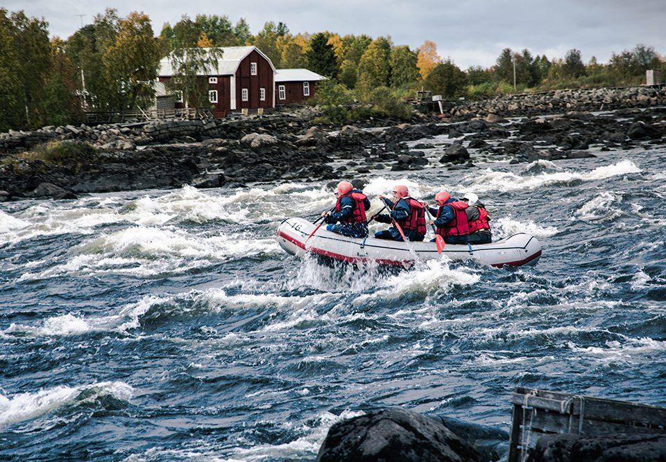 Viaggio avventura in Lapponia: rafting, kayak e torrentismo